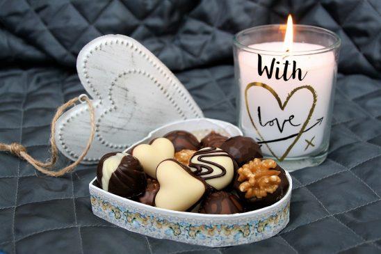Pralinendose mit Giveaways zum Valentinstag